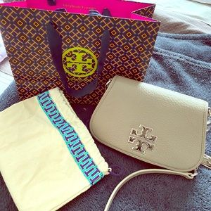 Authentic toryburch sling wallet